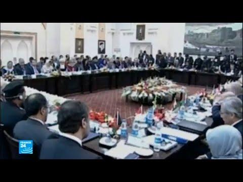 شاهد الحكومة الأفغانية تعرض محادثات سلام على حركة طالبان