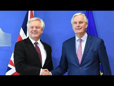 شاهد الاتحاد الأوروبي وبريطانيا يتوصلان إلى اتفاق بشأن المرحلة الانتقالية بعد بريكست