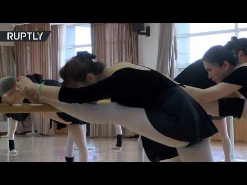 شاهد مسنات صينيات تتعلمن رقصة الباليه