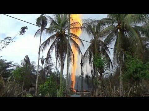 اندلاع حريق بئر نفطية في إندونيسيا