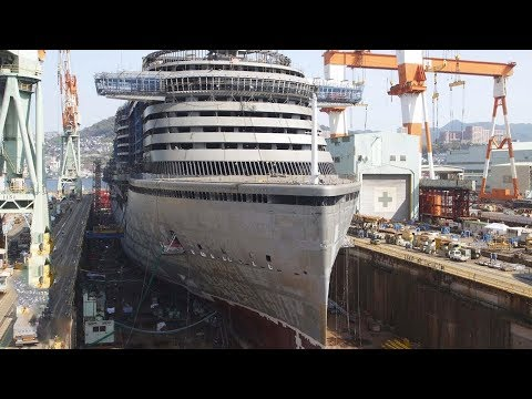 شاهد عملية بناء سفينة عملاقة من الصفر إلى إطلاقها في البحار