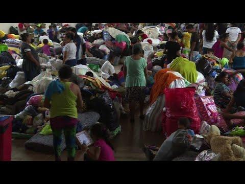 شاهد مئات الناجين من بركان في غواتيمالا