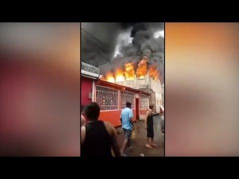شاهد مقتل ثمانية أشخاص إثر حريق في منزل خلال احتجاجات دامية في نيكاراغوا