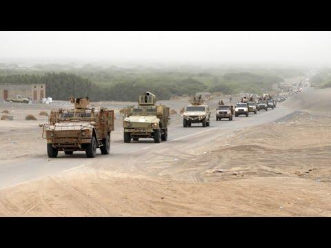 شاهدهجوم واسع لقوات الحكومة اليمنية على مطار الحديدة