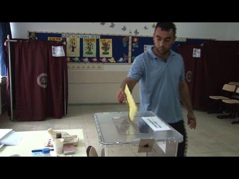 الأتراك يدلون بأصواتهم في انتخابات رئاسية وتشريعية مبكرة