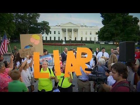 شاهد 55 مِن الأميركيين يعارضون إدارة ترامب لملف روسيا