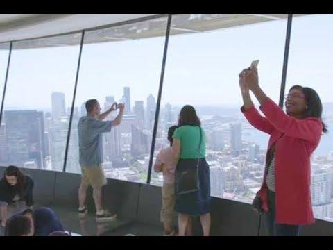 شاهد برج شاهق في واشنطن يُتيح للسائحين تجربة مرعبة وفريدة
