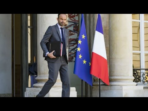 شاهد رئيس الوزراء الفرنسي يكشف موعد دخول اقتطاع ضريبة الدخل حيز التنفيذ