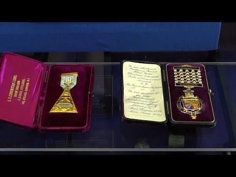 شاهد مجوهرات ماسونية داخل معرض فريد في لندن