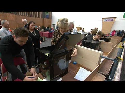 الإيرلنديون يصوتون لصالح حذف تهم التكفير من الدستور