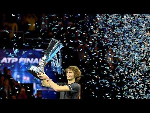 شاهد الكسندر زفيريف يفوز على دجوكوفيتش في نهائي بطولة لندن الختامية للتنس
