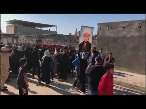 شاهد مئات العراقيين يُشيعون جثمان وسام الغراوي