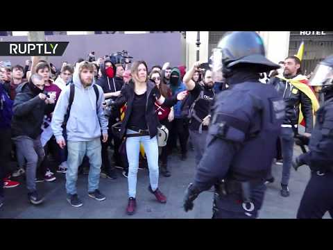 شاهد عشرات المصابين أثناء الاحتجاجات في كتالونيا