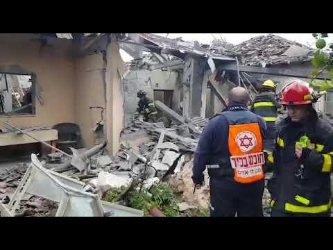 شاهد منازل فلسطينين تتحول إلى ركام بفعل الاحتلال