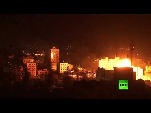 شاهد قوات الاحتلال الاسرائيلي تقصف قطاع غزة