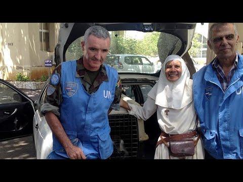 شاهد وعاد القرد اللبناني طشطوش قادما من إسرائيل