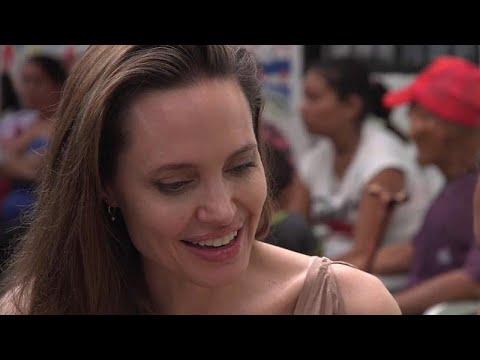 أنجلينا جولي تزور اللاجئين الفارين من فنزويلا عند الحدود مع كولومبيا