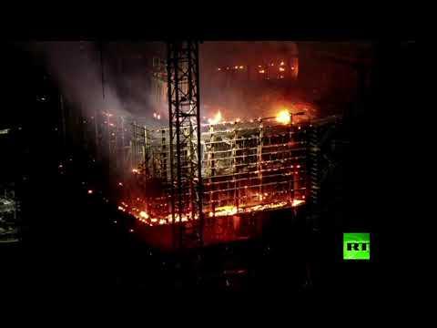 حريق ضخم يلتهم ناطحة سحاب في العاصمة البولندية وارسو