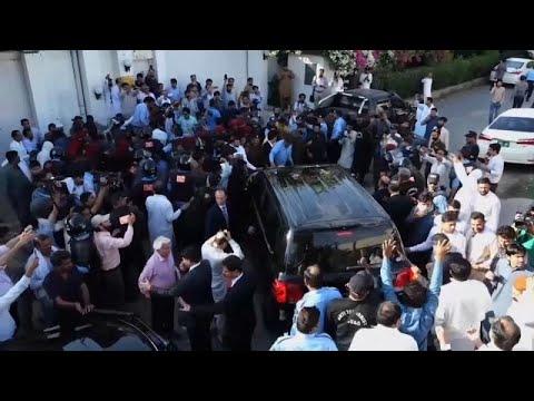 السلطات الباكستانية توقف الرئيس الأسبق آصف على زرداري