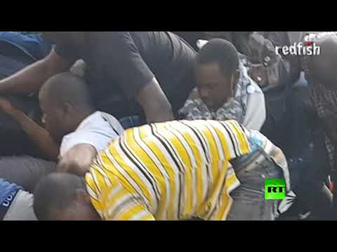 شاهد اعتقال 40 شخصًا أثناء مظاهرة للمهاجرين في باريس