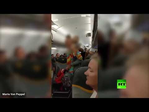طرد بريطانيتين من طائرة توماس كوك لوصفهما مسلمين بـالمتطرفين