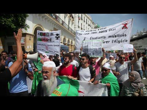 الطلاب الجزائريون في الشارع للأسبوع الـ23 على التوالي