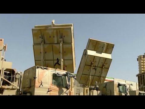 الرئيس الإيراني يشكف عن منظومة دفاع جوي صاروخية مصنعة محليًا