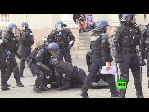 الشرطة الفرنسية توقف العشرات في مواجهات مع حركة السترات الصفراء
