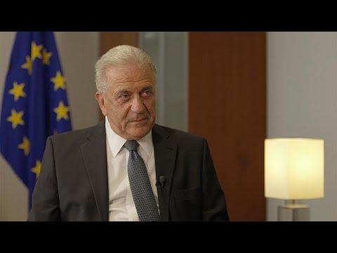 مفوض شؤون الهجرة الأوروبية يؤكد ضرورة الحفاظ على التعاون مع تركيا