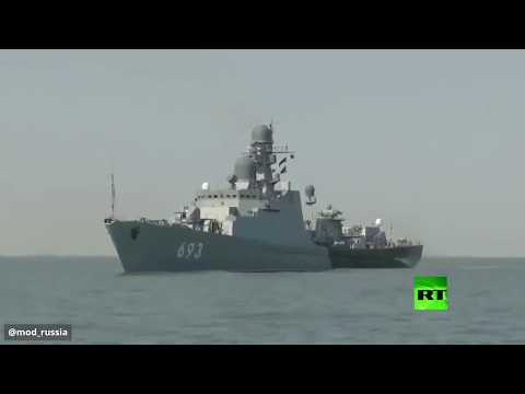 تدريبات روسية على إطلاق النار من مدافع على الألغام البحرية