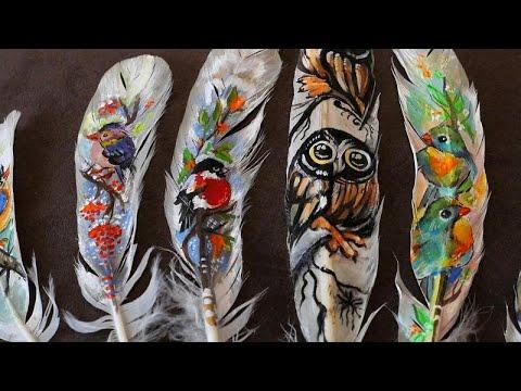 فنانة بلغارية تُبدع في تحويل الريش إلى لوحات فنية لطيفة وممزية