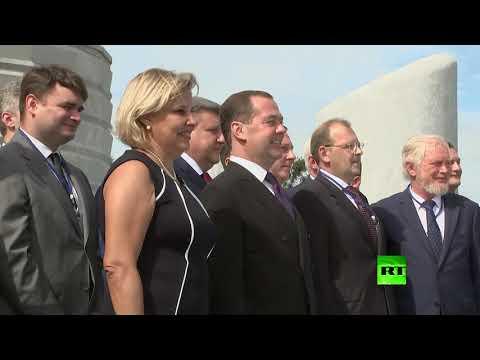 رئيس الوزراء الروسي يحيي ذكرى قائد الثورة الكوبية ويلتقي نظيره