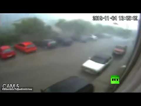 شاهد إعصار عنيف يسحق معصرة لإنتاج زيت الزيتون في اليونان