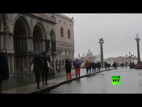 شاهد كاتدرائية القديس مرقس في البندقية تعاني من فيضان جديد