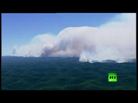 شاهد تحطم مروحية أثناء مكافحة حرائق الغابات في أستراليا