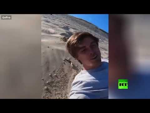 شاهد محاولة فاشلة وفريدة على جبل من الرمل