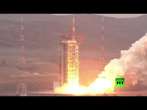 شاهد الصين تطلق قمرًا صناعيًا إلى الفضاء لرصد الكرة الأرضية