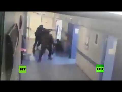 عصابة مسلحة تقتحم مستشفى وتخطف مريضًا ثم تقتله وتقطعه إربًا