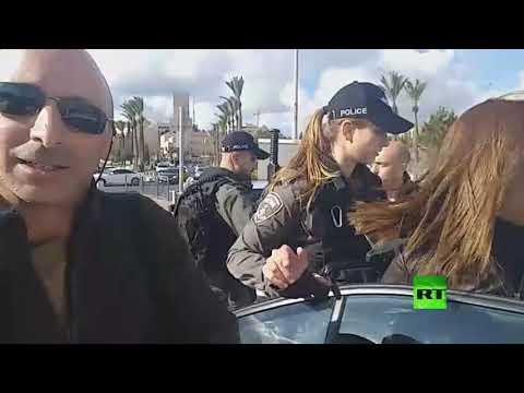 شاهد قوات إسرائيلية تعتقل فريق تلفزيون فلسطين
