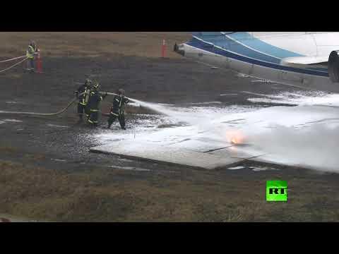 فيديو لمحاكاة إنقاذ ركاب إحدى الطائرات بعد هبوط اضطراري
