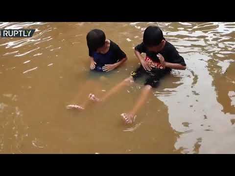 مقتل أكثر من 20 شخصًا جراء الفيضانات في جاكارتا