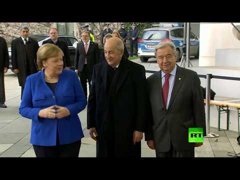 شاهد حديث مطول مع السيسي ومصافحة حارة مع بوتين