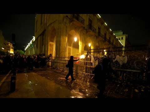 شاهد دعوة لمظاهرات جديدة  في لبنان بعد إصابة المئات