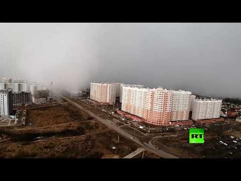 شاهد لقطات مذهلة لعاصفة ثلجية عاتية تجتاح مدينة روسية