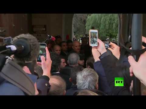 إيمانويل ماكرون يخرج عن السيطرة بسبب شرطي إسرائيلي