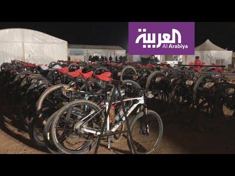 شاهد 150 درّاج عالمي يعيشون تجربة الضيافة السعودية في الصحراء