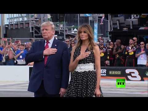 دونالد ترامب يشارك في سباق دايتونا 500 بسيارته الوحش