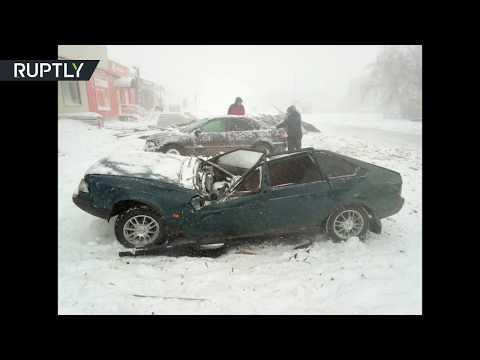 عاصفة ثلجية قوية تضرب مدينة أورال الروسية