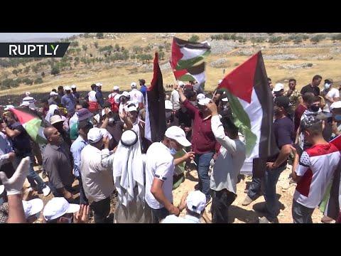 إصابة 21 فلسطينيًا في مواجهات مع الجيش الإسرائيلي بالضفة الغربية