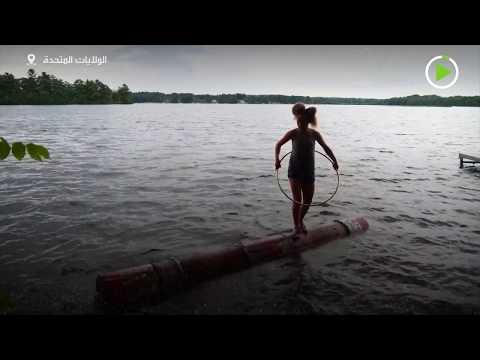 فتاة 14 عامًا تحصل على بطولة العالم في دحرجة جذوع الأشجار